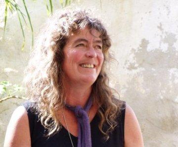 Sabine Lichtenfels - Portugal two rredim 90p.jpg