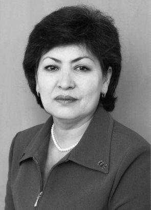 Dilorom Mukhsinova - Uzbekistan rogné redim 70p.jpg