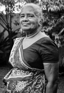 Dulcy de Silva - Sri Lanka rogné-redim 60p.jpg