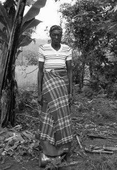 Marie Rose Cimpaye - Burundi rogné.jpg