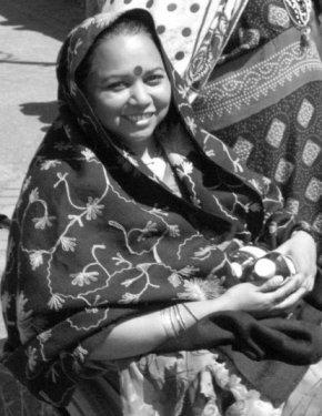 Mohua Paul - Bangladesh rogne r70p.jpg